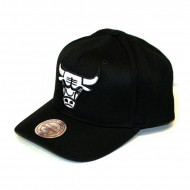 Mitchell & Ness Chicago Bulls 110 Curved Snapback black