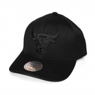 Mitchell & Ness Chicago Bulls Flexfit 110 Curved Brim...