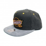 Mitchell & Ness Cleveland Cavaliers Cation Perforated Snapback grau