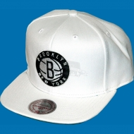 Mitchell & Ness - Snapback Cap Brooklyn Nets Logo weiss