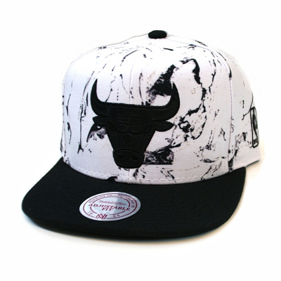 Chicago Bulls Leather White and Black Marble Logo Snapback | NBA | Mitchell & Ness (ASUVERKAUFT)